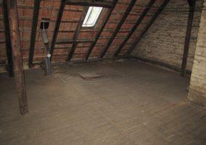Dachgeschoss Deckenbalken Sanierung