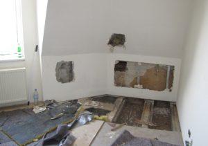 Mehrfamilienhaus Holzbalken Sanierung