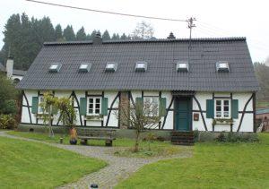 Fachwerkhaus Holzschaeden